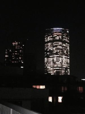 屋上テラスから六本木ヒルズ